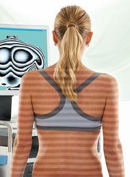 im Lichtschnittmessverfahren des Rückenscanners DigiDorso können Verschiebungen der Körperstatik ermittelt werden.
