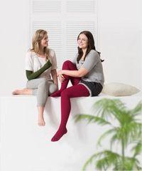 Die Basistherapie bei Lipödemen und Lymphödemen in den Beinen und Armen sind flachgestrickte, medizinische Kompressionsstrümpfe
